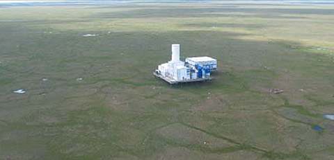"Anadarko platform deployed on the North Slope. Kadaster et al described the Anadarko platform, construction, and deployment in SPE 97264. A ""disappearing"" ice road was used for material transport to and from the well site."