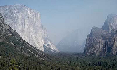 Views of clear vs. hazy days in Yosemite Valley, CA.