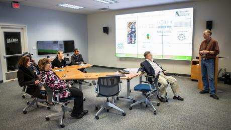 NETL Hosts W.Va. Manufacturers to Discuss Regional Workforce Initiative